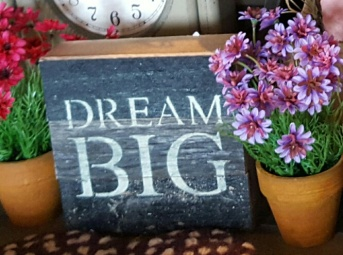 Reclaimed wood sign DREAM BIG