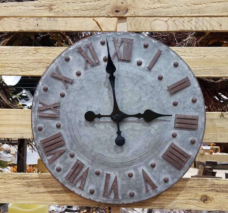 Farmhouse Metal Clock