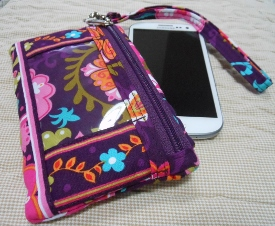 Stephanie Dawn * id gadget wristlet