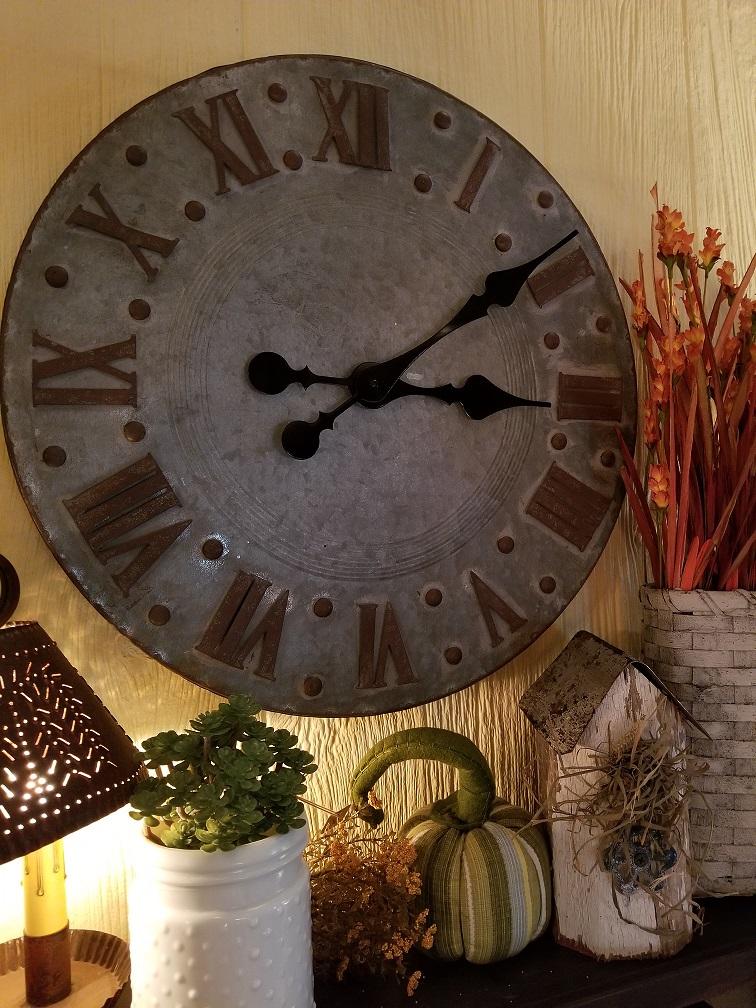Farmhouse Metal Round Clock
