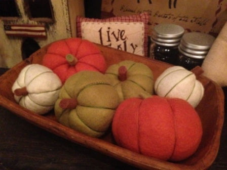 pumpkins (set of 3) stuffed felt